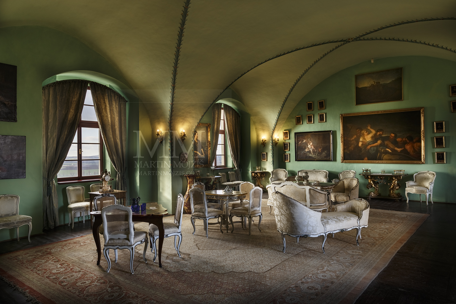 Chateau Melnik – big salon. Professional photography of architecture - interiors.