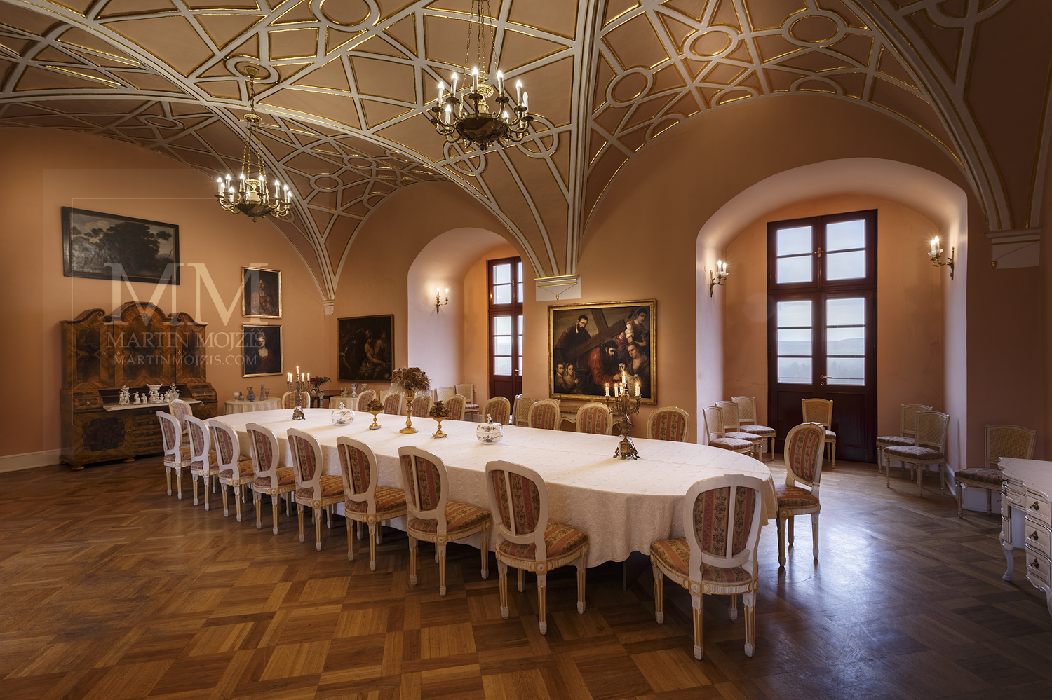Chateau Melnik – large dining room. Professional photography of architecture - interiors.