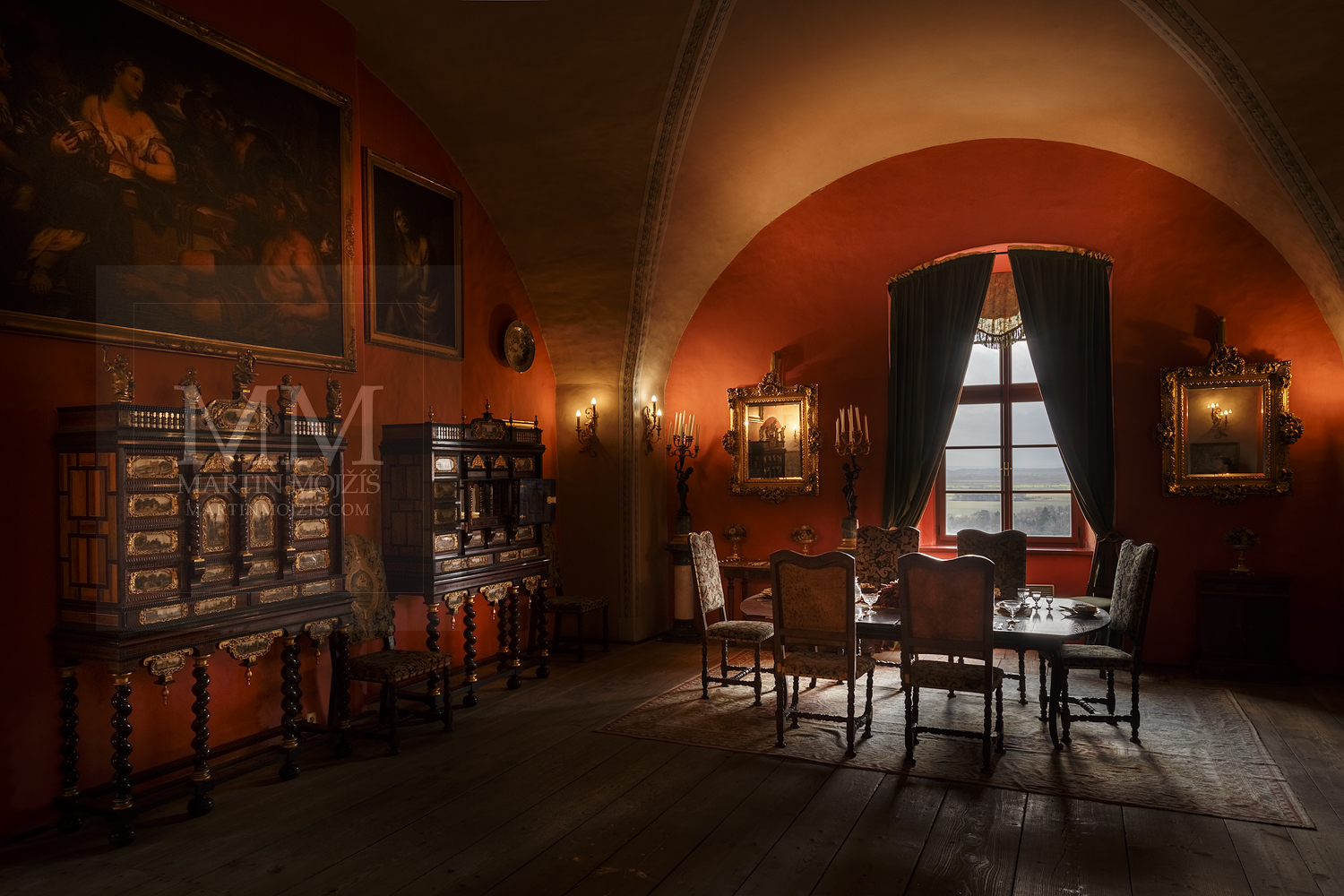 Chateau Melnik – dining room. Professional photography of architecture - interiors.