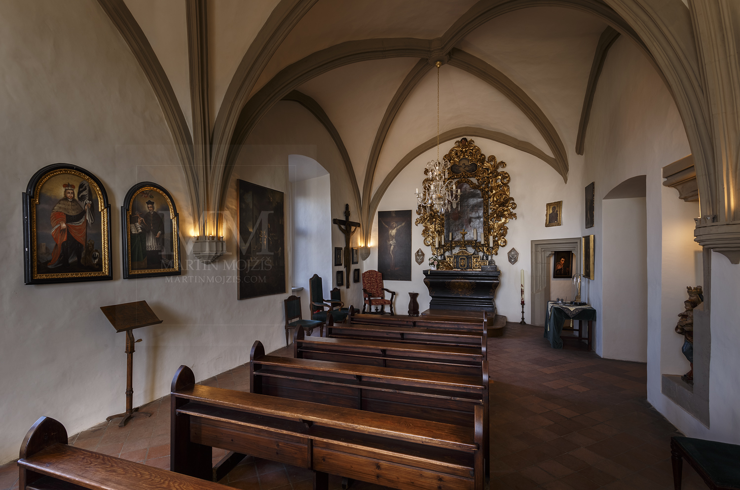 Chateau Melnik – chapel. Professional photography of architecture - interiors.